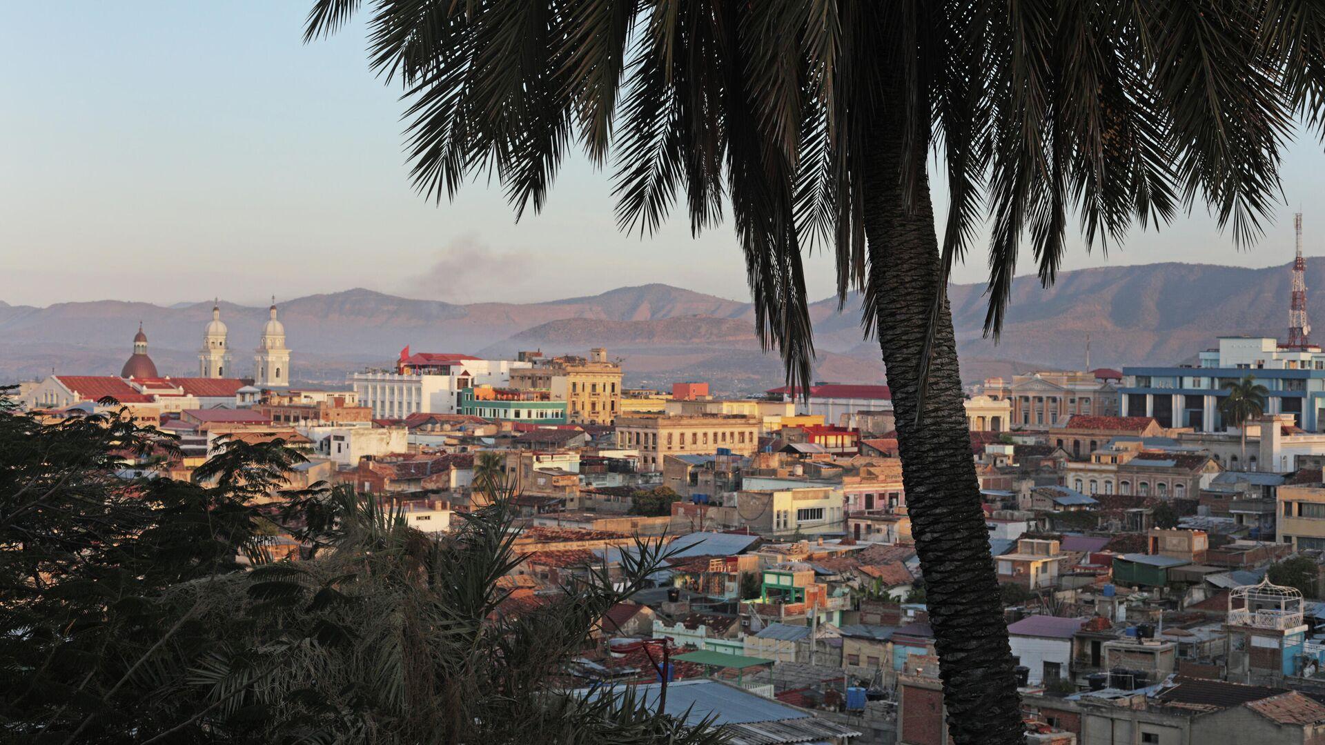 Вид на город Сантьяго-де-Куба со смотровой площадки - РИА Новости, 1920, 05.07.2021