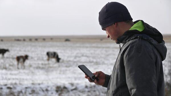 Тиктокер Алексей Дудоладов в деревне Станкевичи Называевского района