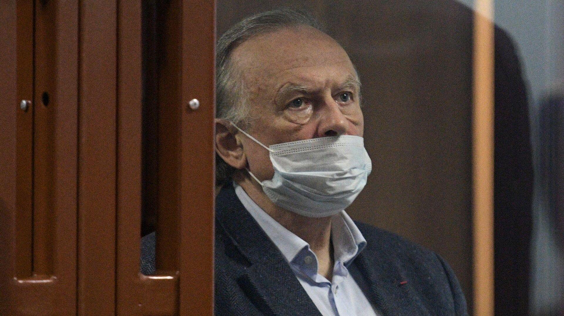 Суд отклонил иск осужденного за убийство историка Соколова к Понасенкову