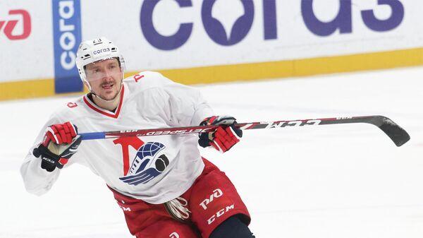 Игрок ХК Локомотив (Ярославль) Егор Аверин