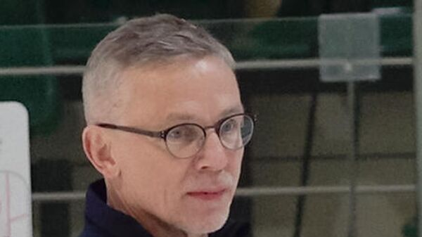 Главный тренер молодежной сборной России по хоккею Игорь Ларионов