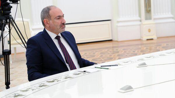 Премьер-министр Армении Никол Пашинян во время трехсторонних переговоров лидеров России, Азербайджана и Армении по поводу ситуации в Нагорном Карабахе