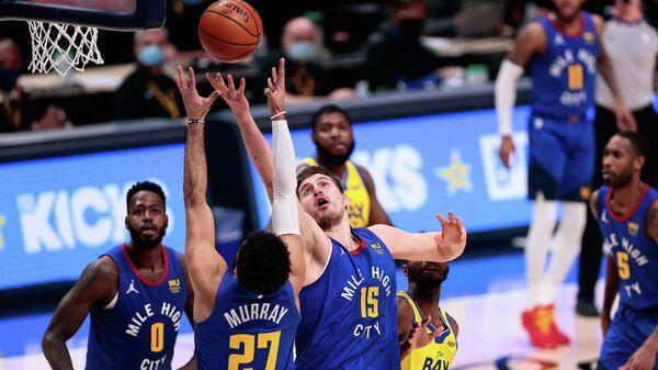 Матч НБА между командами Денвер Наггетс и Голден Стэйт Уорриорз