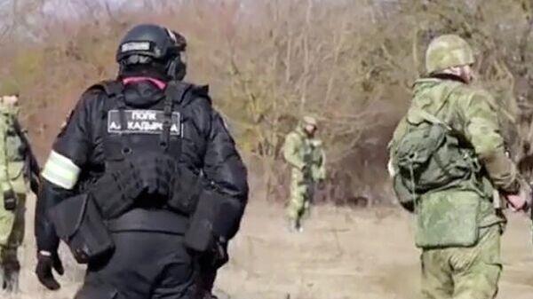 Операция на окраине селения Катар-Юрт Чечни. Кадр видео