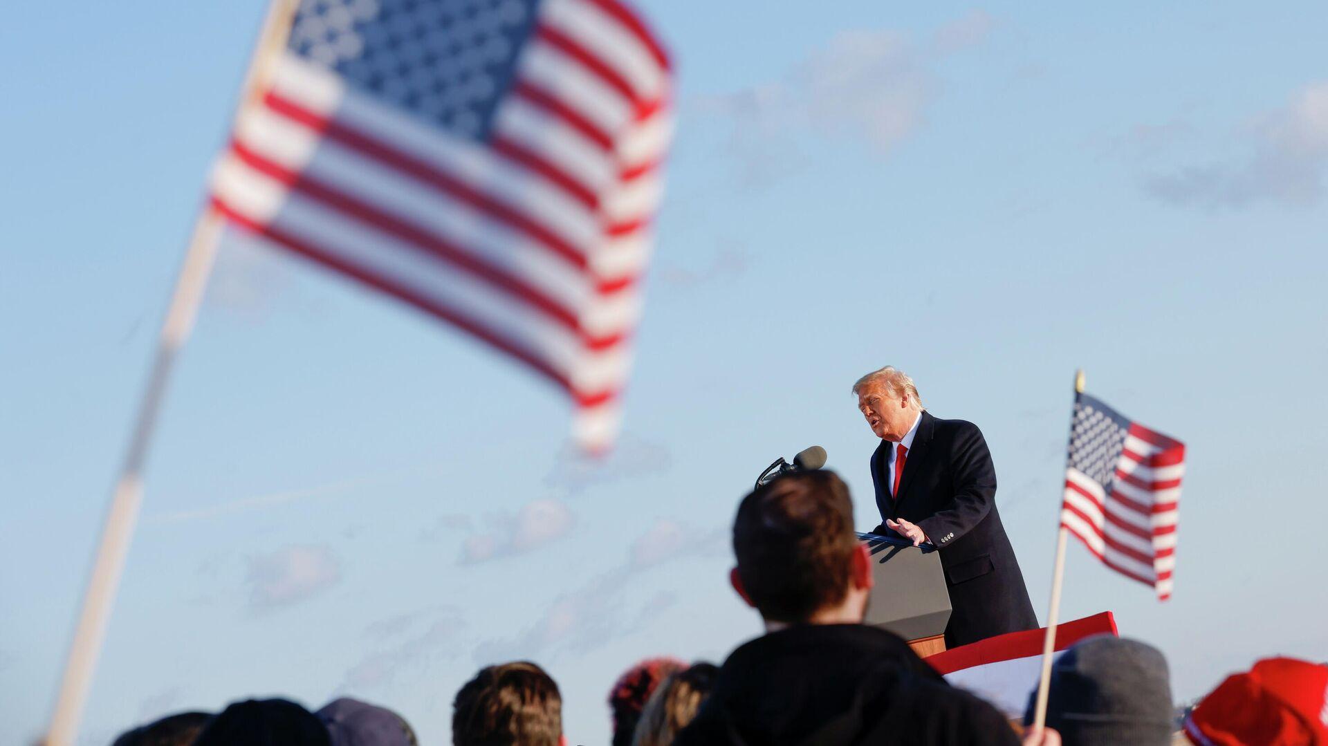 Президент США Дональд Трамп во время выступления на базе Эндрюс, штат Мэриленд - РИА Новости, 1920, 28.01.2021