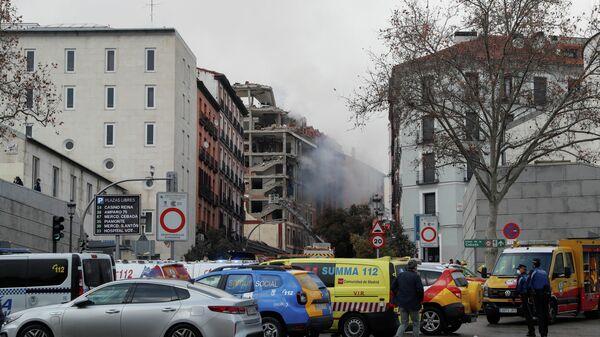 Разрушенное в результате взрыва здание в Мадриде