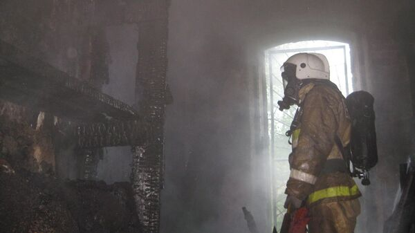На месте пожара в квартире на Московском шоссе в Санкт-Петербурге