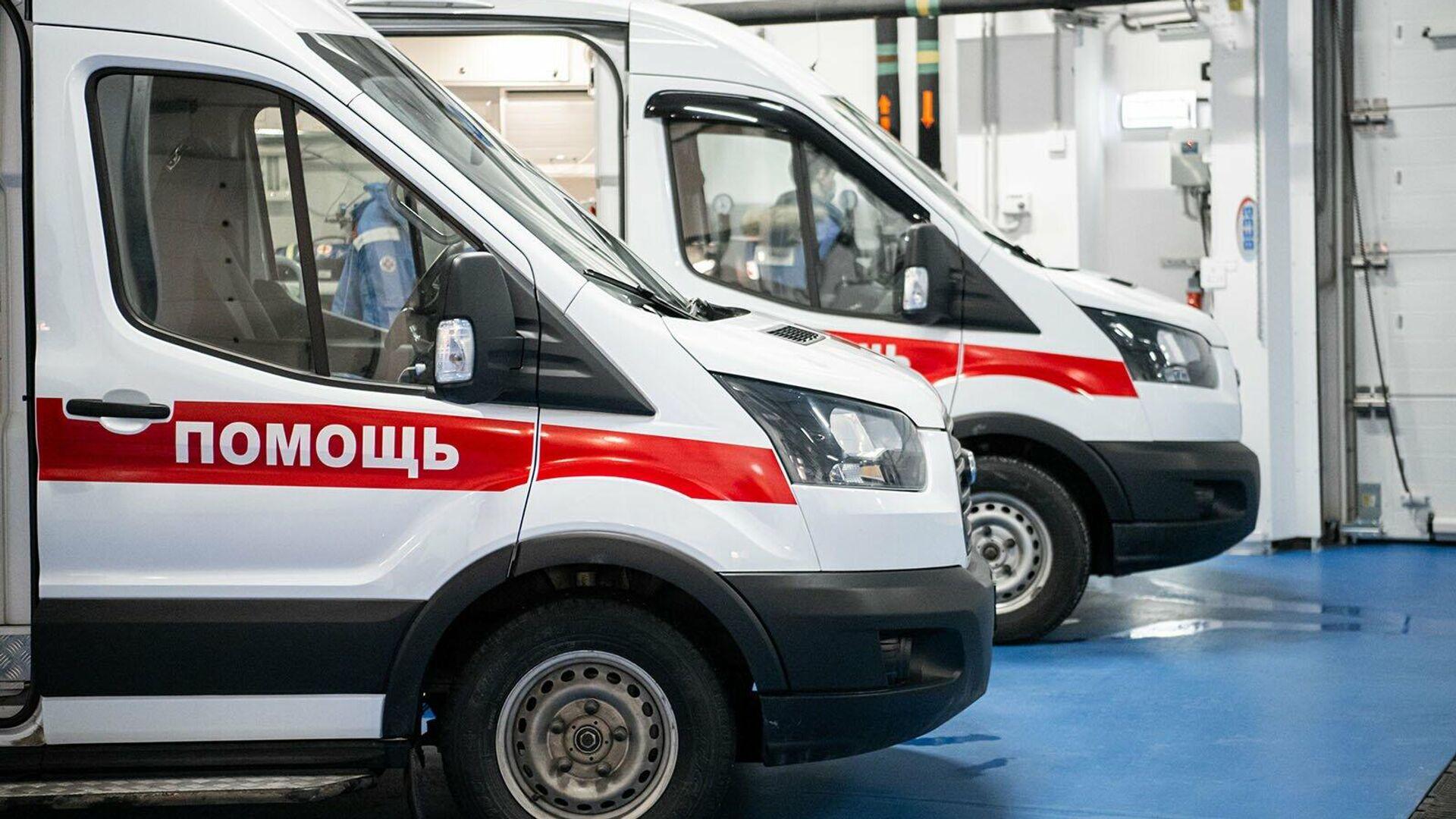 Автомобили медицинской помощи на новой подстанции скорой помощи в многопрофильной клинической больнице в Коммунарке - РИА Новости, 1920, 29.01.2021