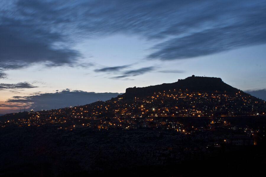 Вид на ночной Мардин, Турция