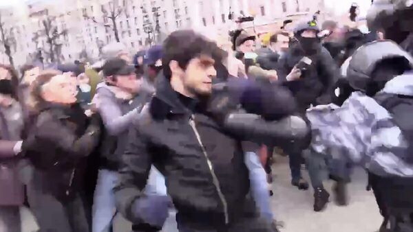 Кадр видео беспорядков с участием Сайд-Мухамада Джумаева
