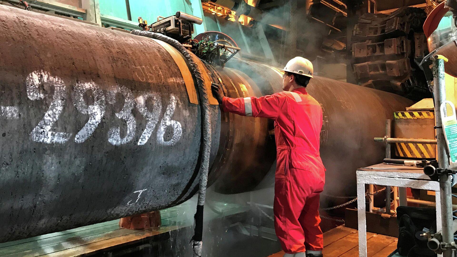 Подготовка трубы для строительства газопровода Nord Stream 2 в Балтийском море  - РИА Новости, 1920, 10.02.2021