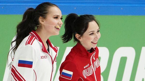 Алина Загитова (слева) и Елизавета Туктамышева