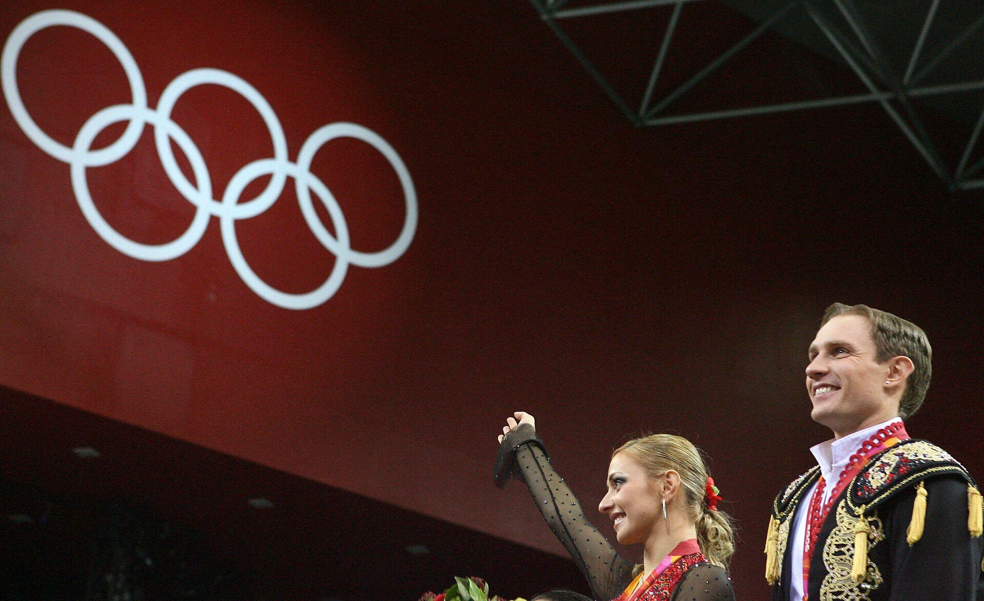 Татьяна Навка и Роман Костомаров после победы на Олимпийских играх в Турине - РИА Новости, 1920, 08.02.2021