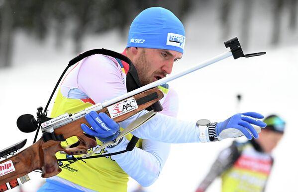 Евгений Гараничев (Россия) на тренировке перед началом соревнований на чемпионате мира по биатлону 2021 в словенской Поклюке.