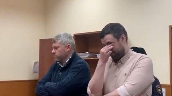 Депутата Янкаускаса отправили под домашний арест. Кадры из зала суда