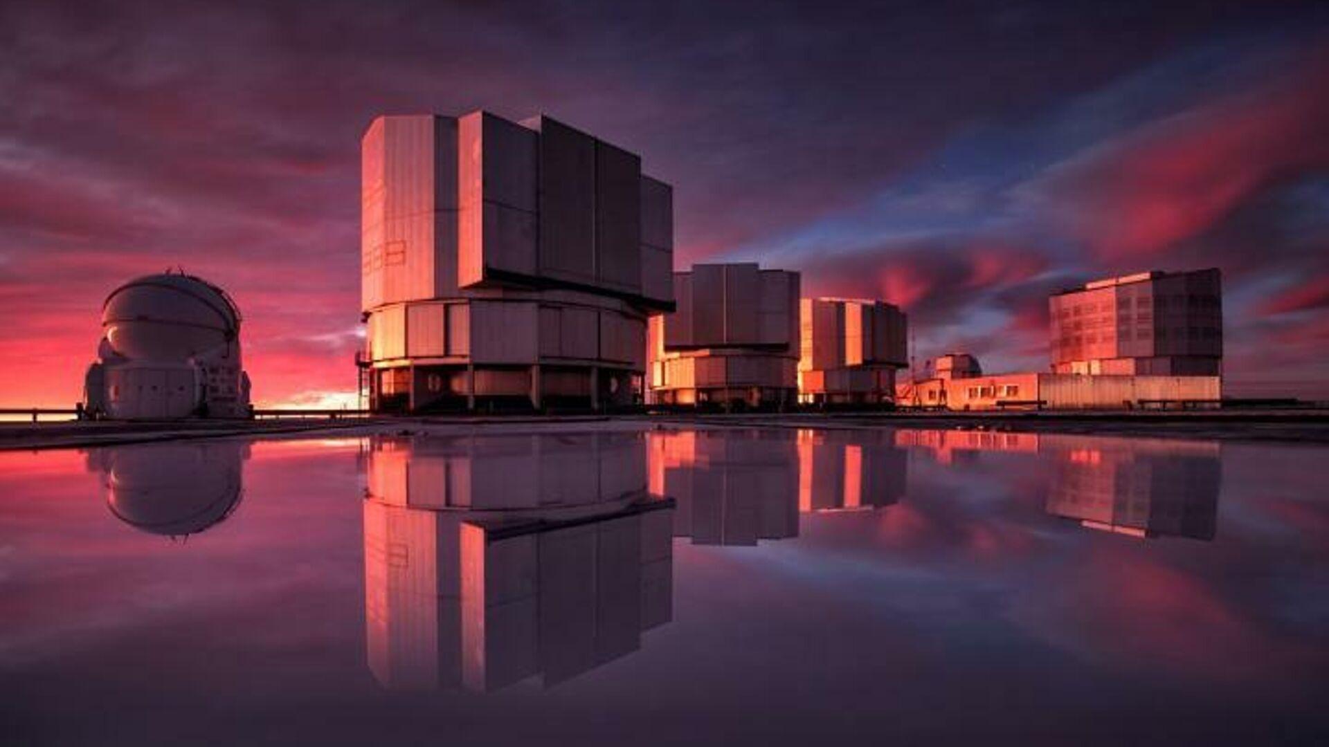 Очень большой телескоп VLT в обсерватории Паранал в чилийской пустыне Атакама - РИА Новости, 1920, 10.02.2021