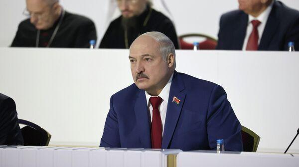 Президент Белоруссии Александр Лукашенко выступает на VI Всебелорусском народном собрании во Дворце Республики в Минске