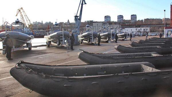 Надувные лодки, полученные украинскими военными от США