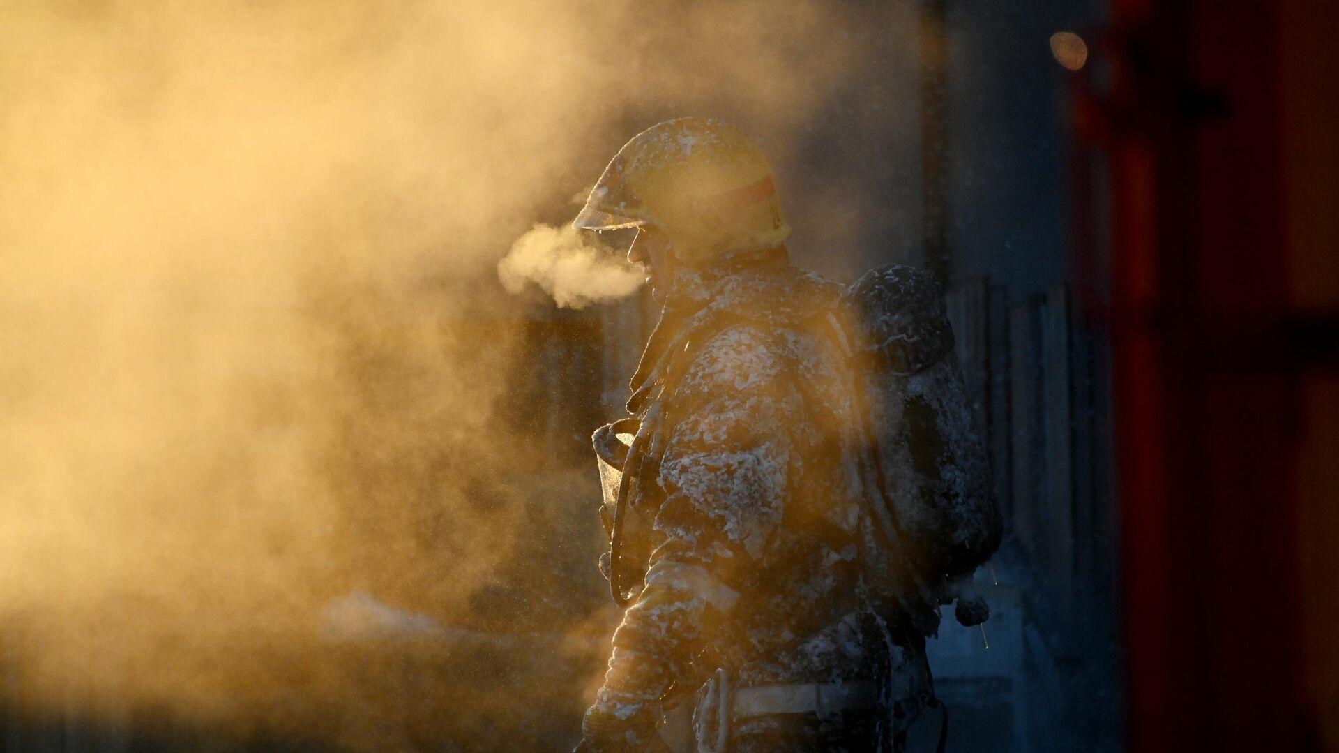 Власти назвали предположительную причину возгорания на Оби
