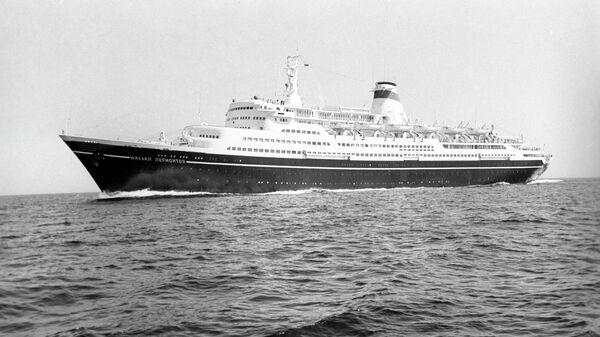 Михаил Лермонтов - пассажирский теплоход, круизный лайнер. Построен в 1972 году на Виcмарской судоверфи в ГДР (затонул в 1986 году).