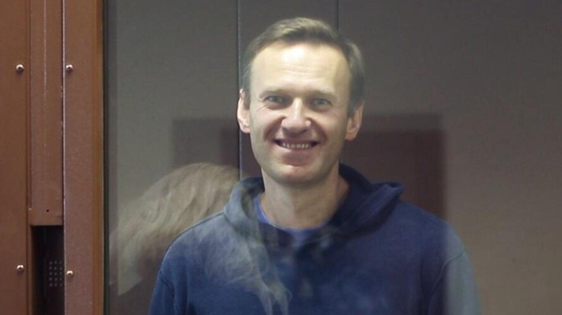 Алексей Навальный в зале Бабушкинского районного суда - РИА Новости, 1920, 18.02.2021