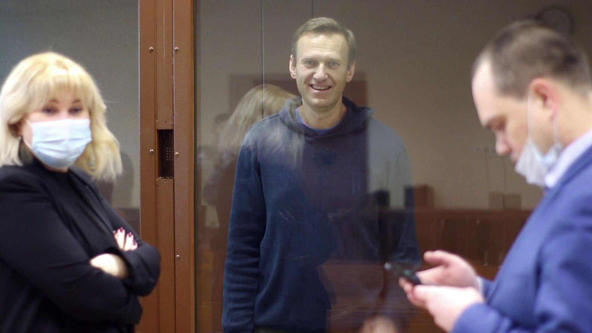 Алексей Навальный в зале Бабушкинского районного суда - РИА Новости, 1920, 25.02.2021