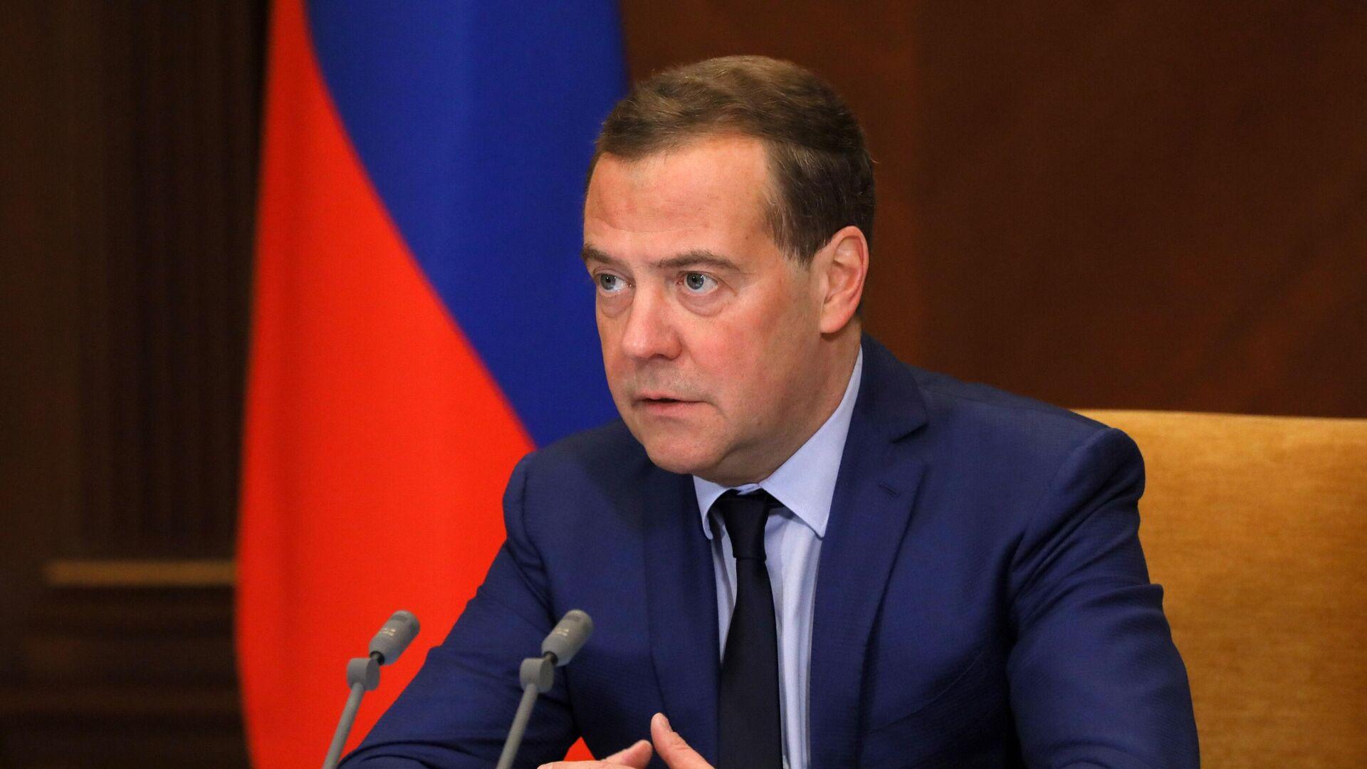 Председатель Единой России, заместитель председателя Совета безопасности РФ Дмитрий Медведев - РИА Новости, 1920, 05.03.2021