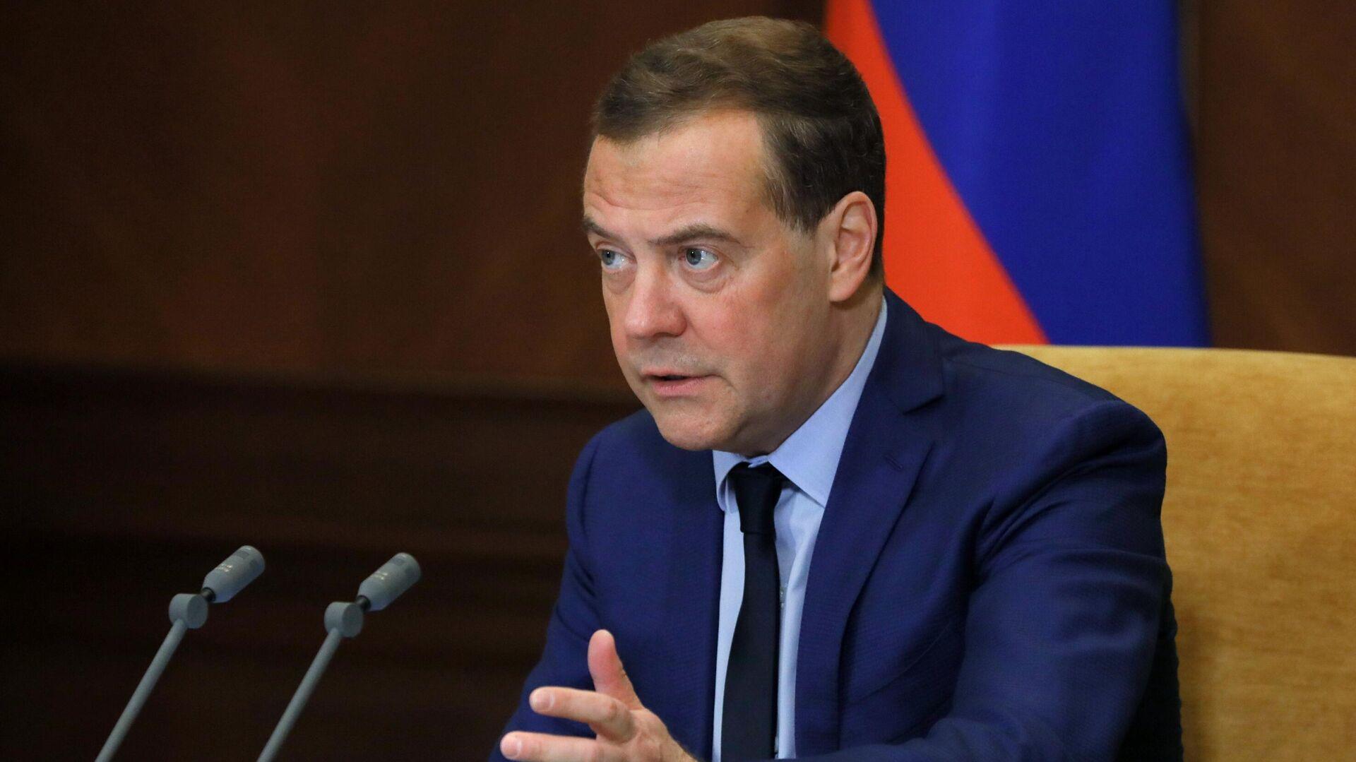 Медведев оценил состояние отношений с США