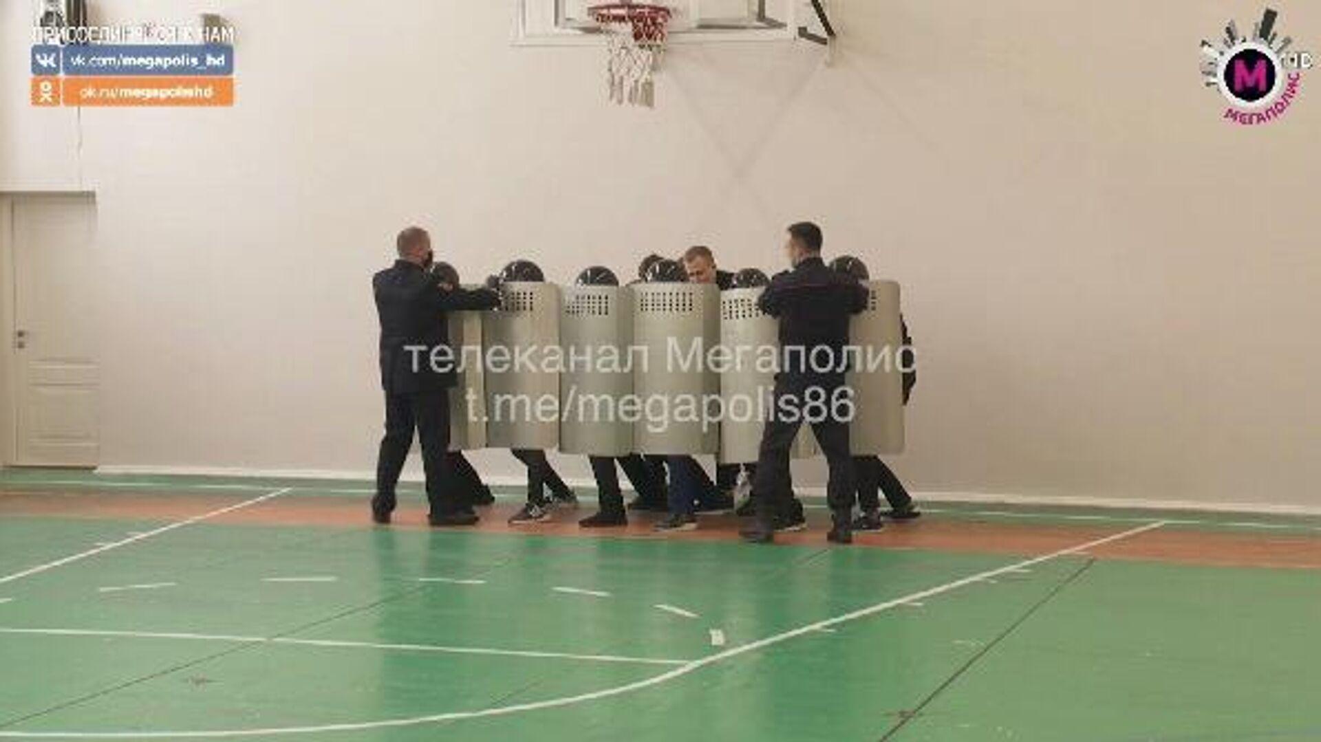 Урок мужества в школе №42 города Нижневартовска - РИА Новости, 1920, 19.02.2021