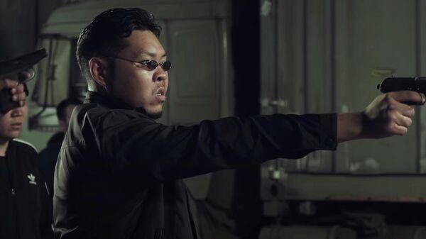 Кадр из фильма Агент Мамбо