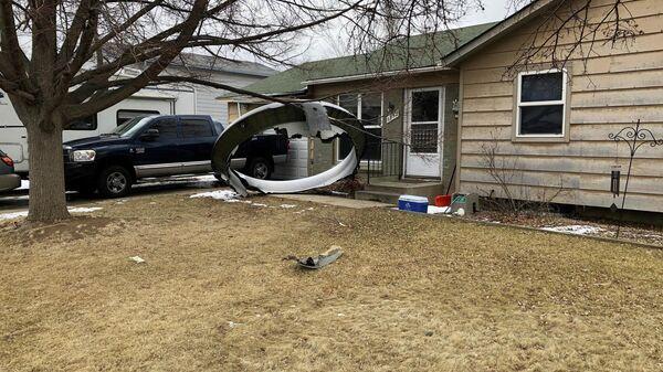 Обломки двигателя Boeing 777, упавшие в жилом районе Колорадо, США