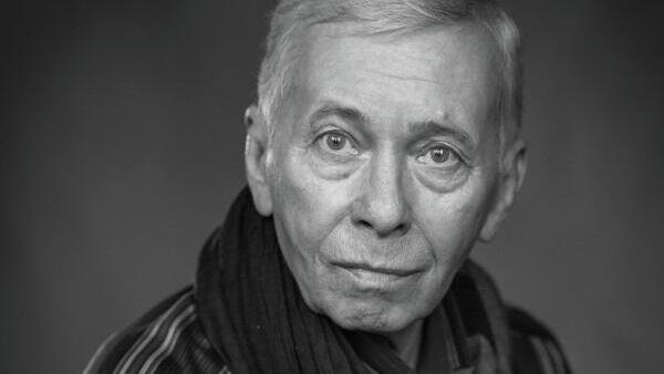 Актер Александр Жданов