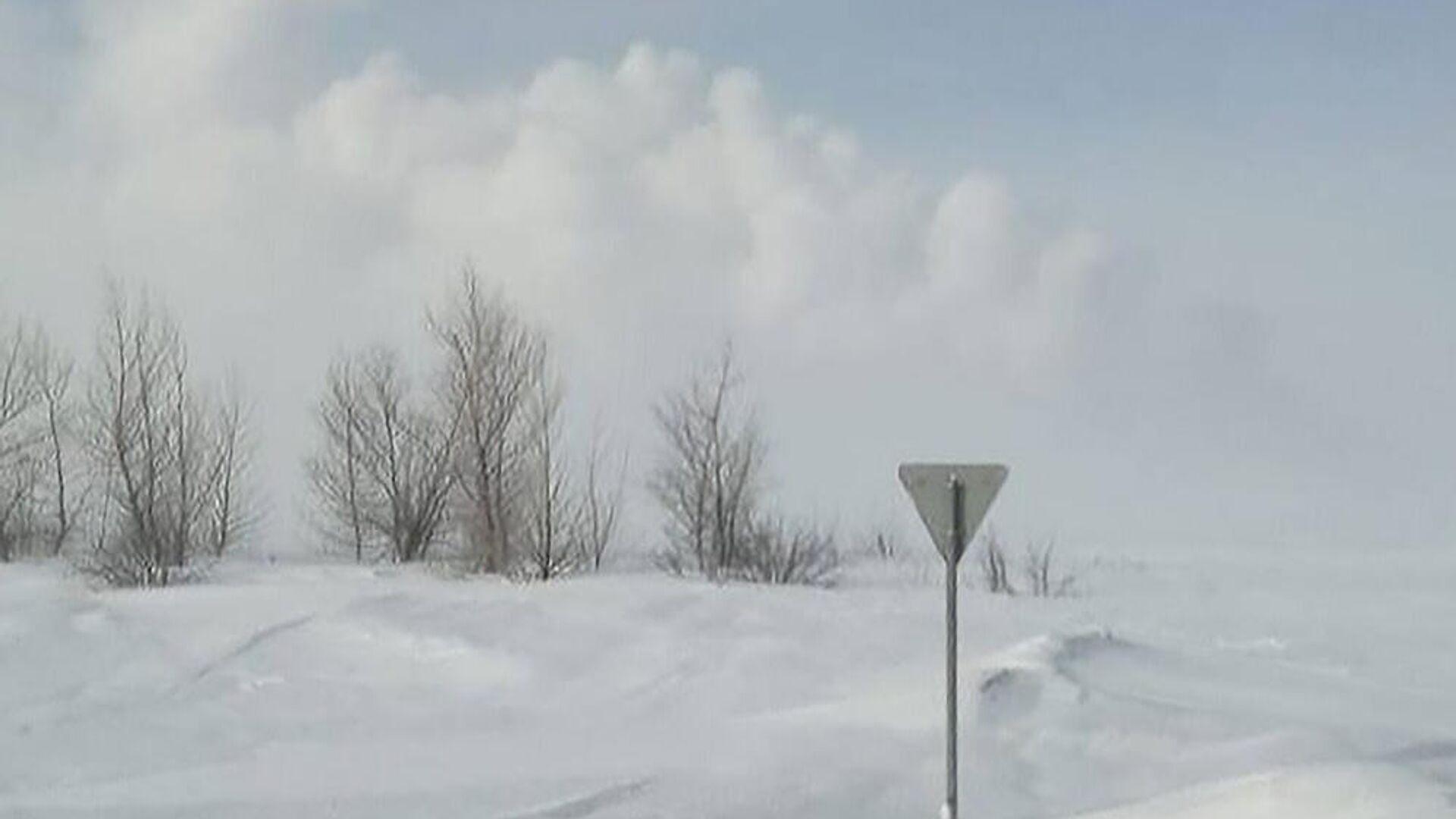 Дым от взрыва магистрального газопровода в Илекском районе Оренбургской области - РИА Новости, 1920, 23.02.2021