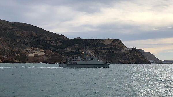 Корабль для поиска мин Тахо ВМС Испании в рамках выполнения задач НАТО по противоминной защите. Февраль 2021