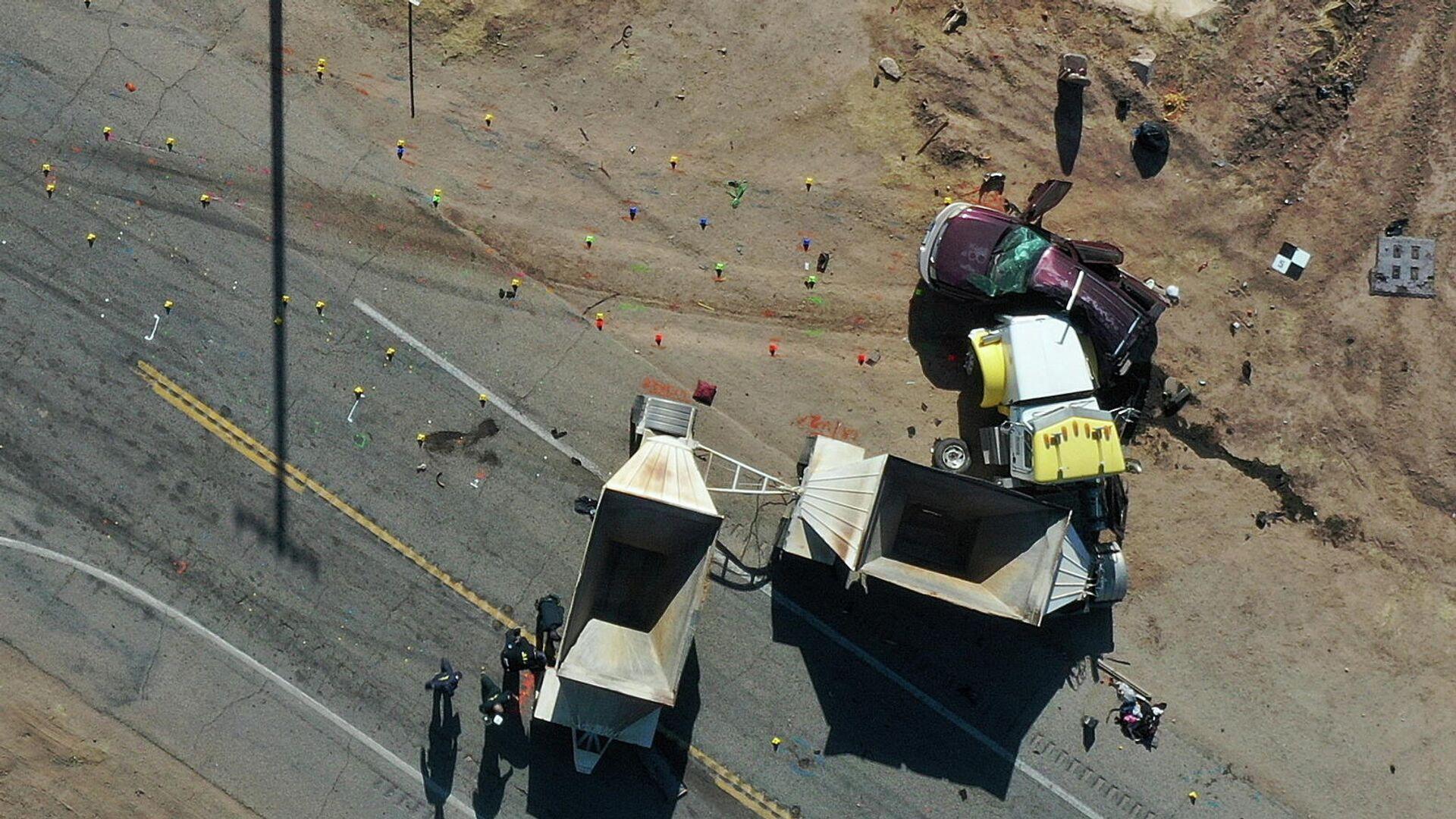 Место аварии в Холтвилле в округе Империал, штат Калифорния - РИА Новости, 1920, 02.03.2021