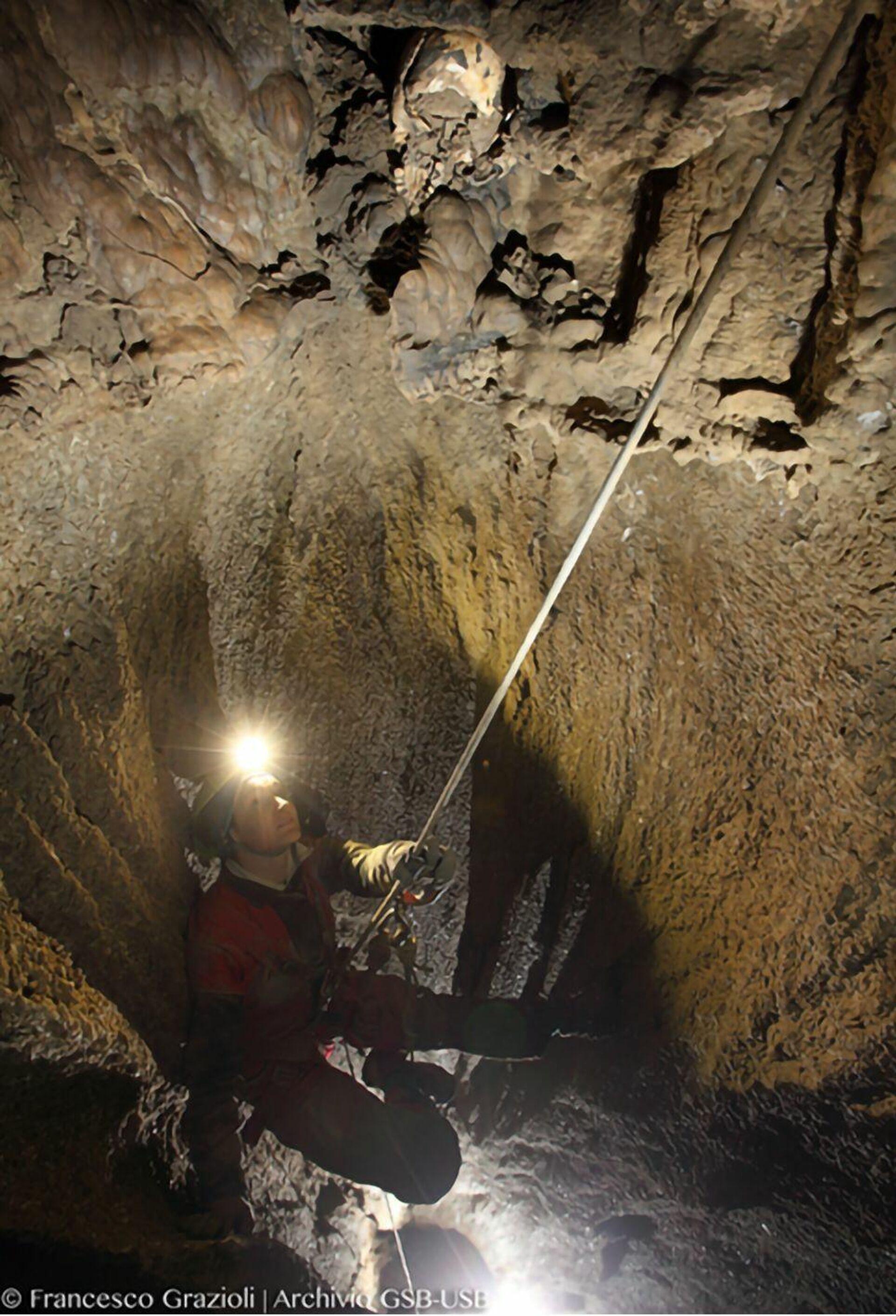 Местонахождение черепа в пещере Марселя Лубенса  - РИА Новости, 1920, 03.03.2021