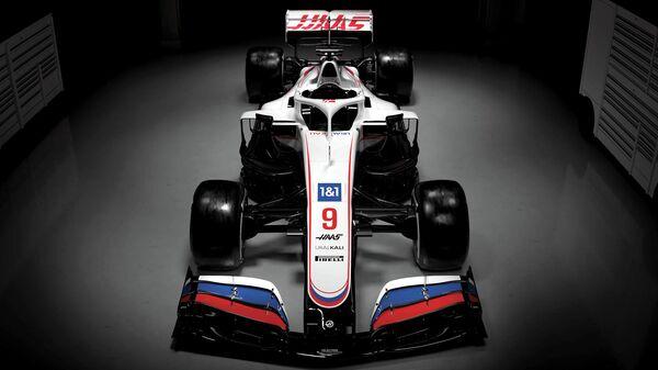 Гоночный болид команды Формулы-1 Хаас
