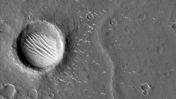 Снимки Марса, сделанные зондом Тяньвэнь-1