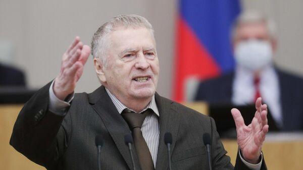 Руководитель фракции ЛДПР Владимир Жириновский выступает на пленарном заседании Государственной Думы РФ