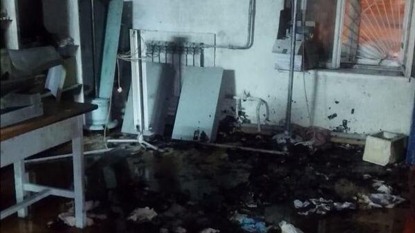 Последствия пожара в ветеринарной клинике на улице Ильича в Архангельске