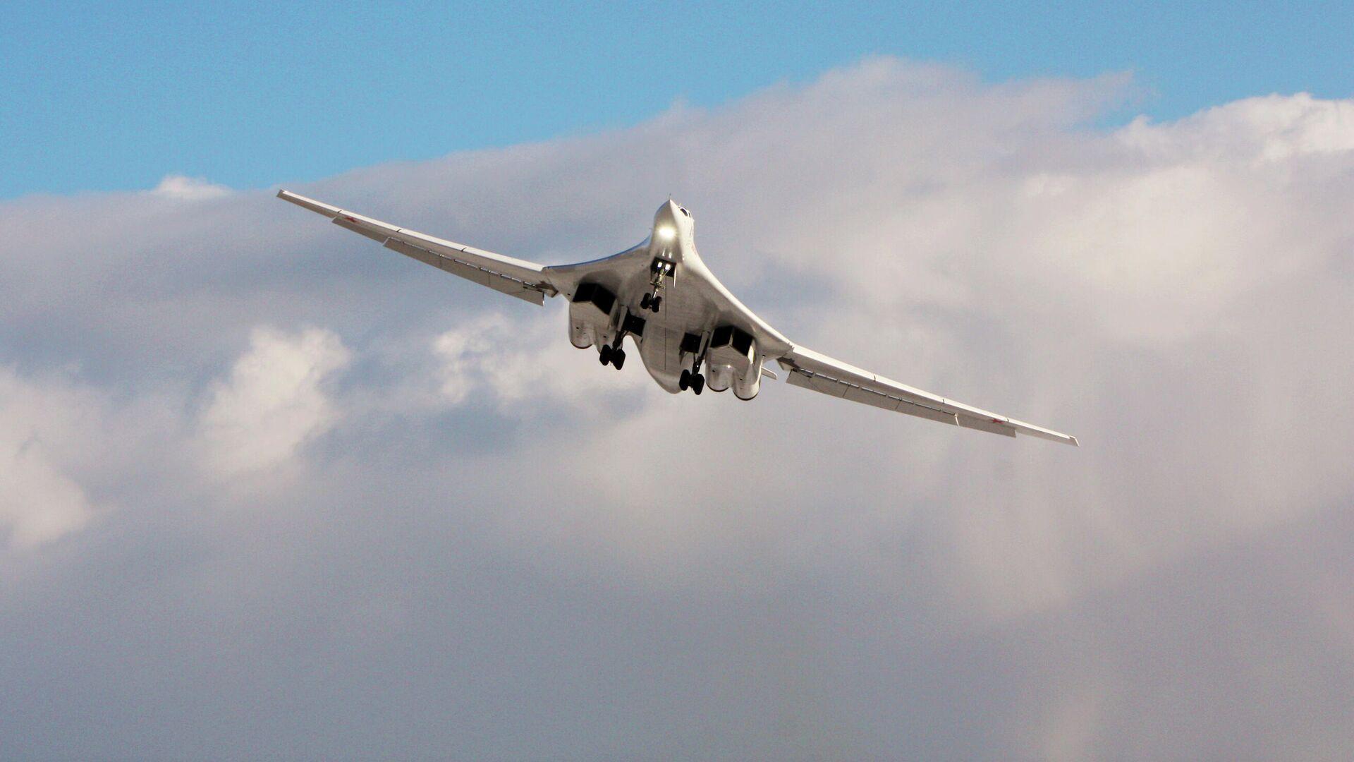 Первый модернизированный стратегический бомбардировщик Ту-160М - РИА Новости, 1920, 29.03.2021