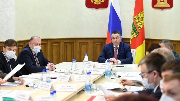 Губернатор Тверской области Игорь Руденя во время заседания Бюджетной комиссии Тверской области
