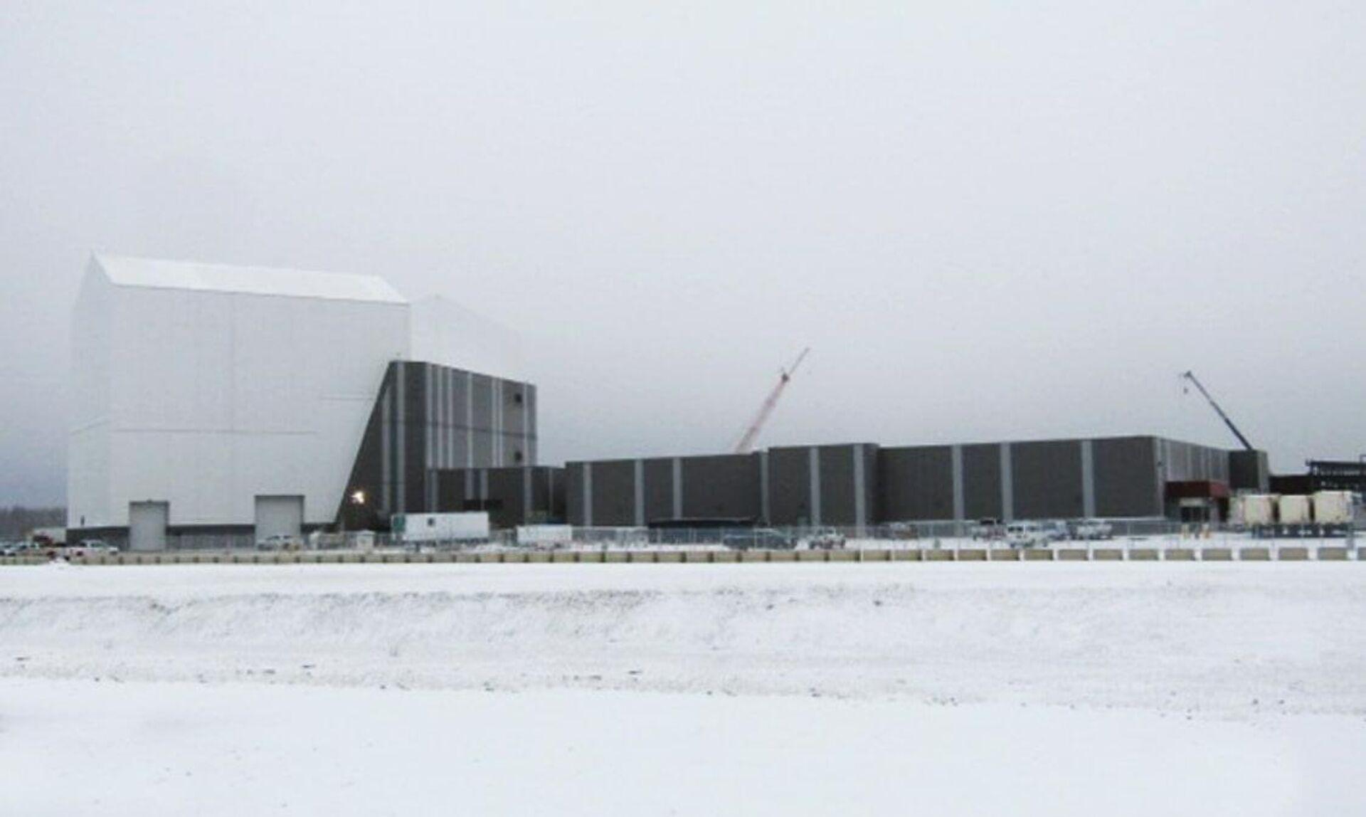 Строительство конструкции на станции ВВС США Clear Air Force, в которой будет размещен радиолокационная станция Long range discrimination radar (LRDR) - РИА Новости, 1920, 11.03.2021