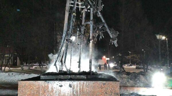 Сгоревший памятник воину-освободителю в татарстанском Заинске