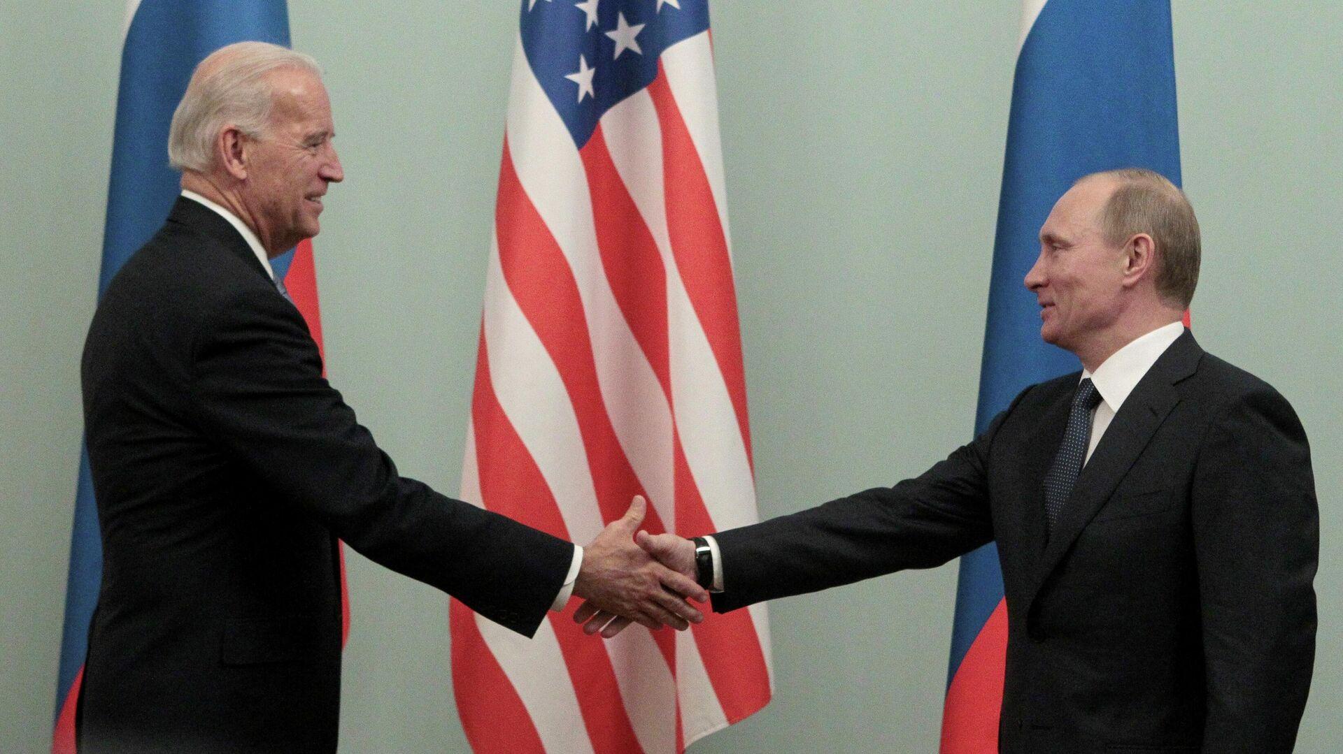 Владимир Путин и Джо Байден во время встречи в 2011 году - РИА Новости, 1920, 23.03.2021