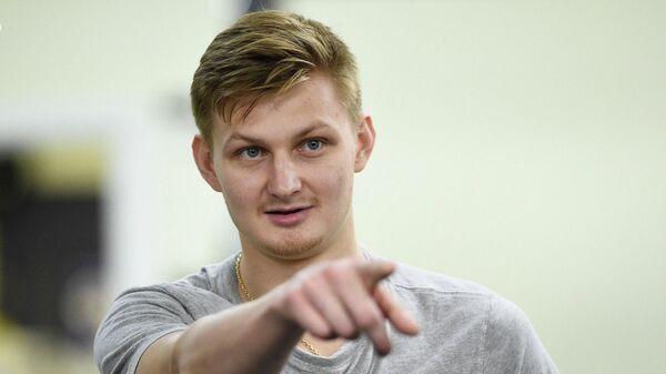 Хоккеист Владислав Провольнев