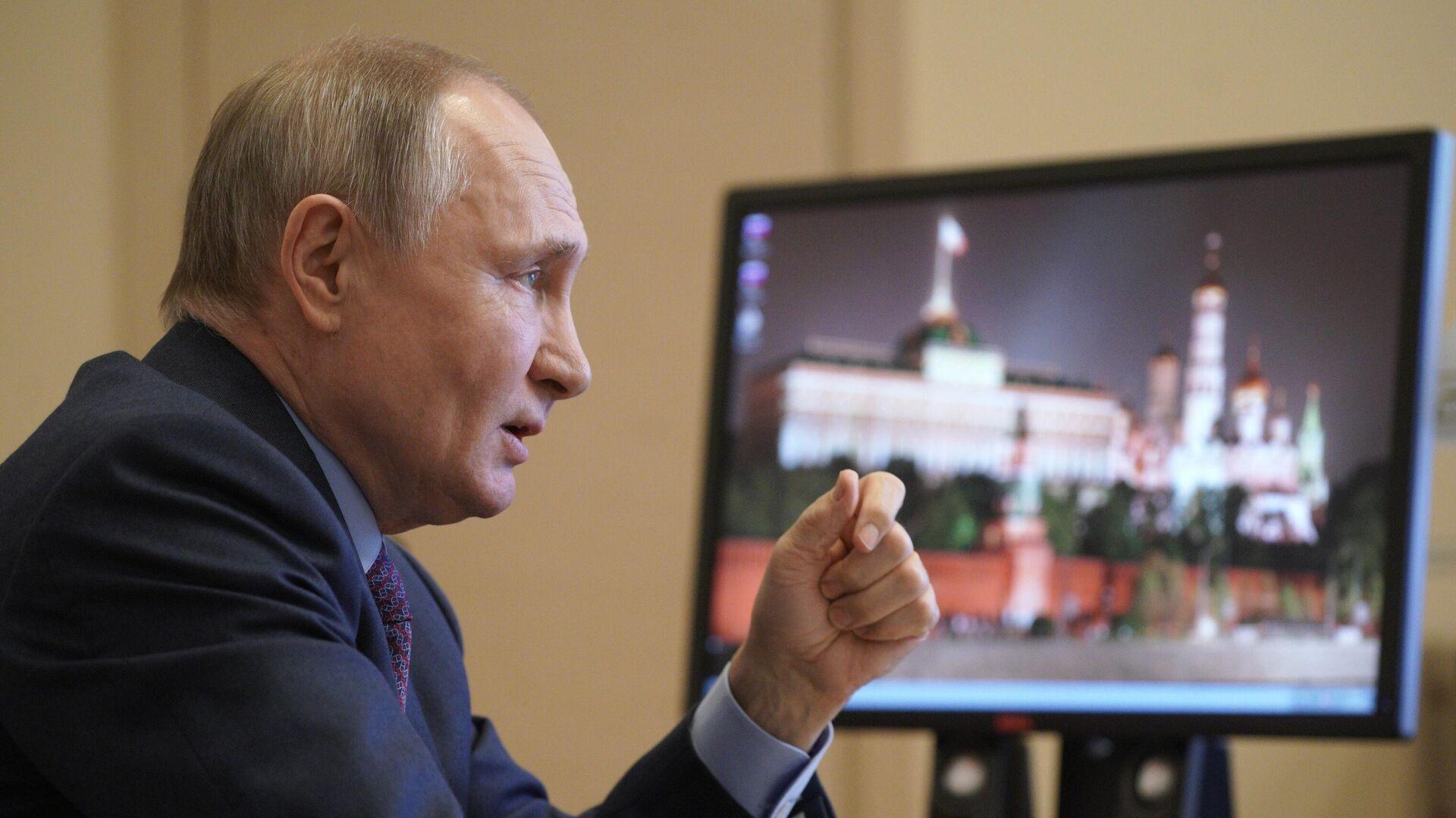 Два человека знают отом, какую вакцину выбрал Путин— Кремль