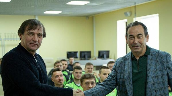 Александр Бородюк (слева)