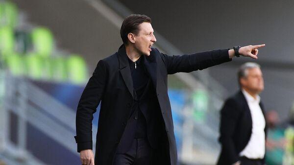 Главный тренер молодежной сборной России Михаил Галактионов в матче молодежного чемпионата Европы по футболу между сборными Дании и России.