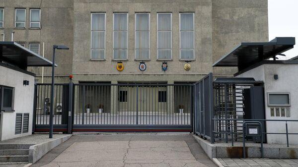 Бывший комплекс Посольства ГДР в КНДР, где теперь разместились дипломатические миссии Великобритании, Германии, Франции и Швеции